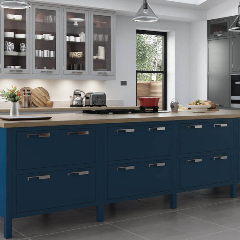 bespoke_modern_contemporary_aurora_painted_lightgrey_gunmetalgrey_parisianblue_kitchen_hero copy