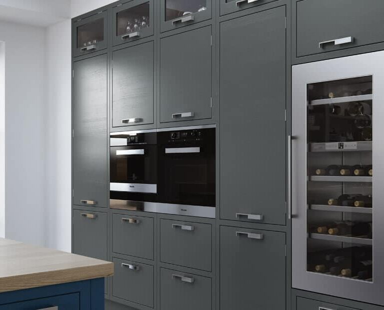 bespoke_modern_contemporary_aurora_painted_lightgrey_gunmetalgrey_parisianblue_kitchen_tallhousings-900x620