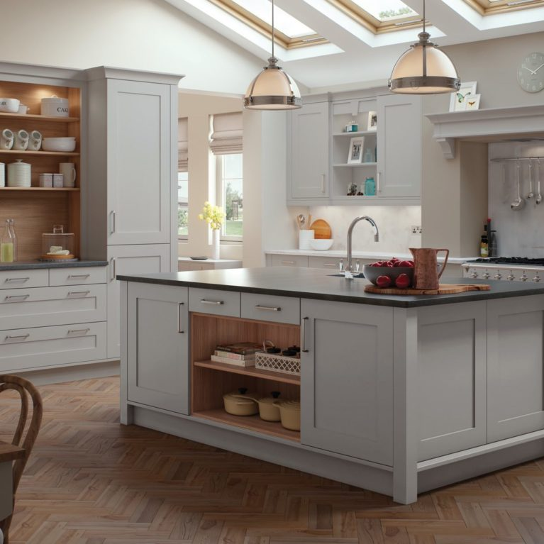 georgia-painted-light-grey-kitchen-main